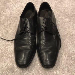 Good conditions men's dress shoes size 11